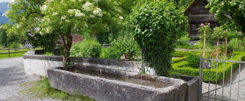 Bilde eines alten Brunnens im Ballenberg Musem